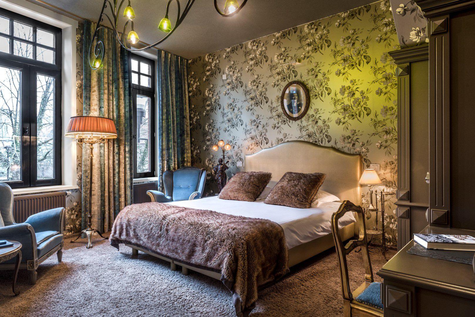 room-glory-bed
