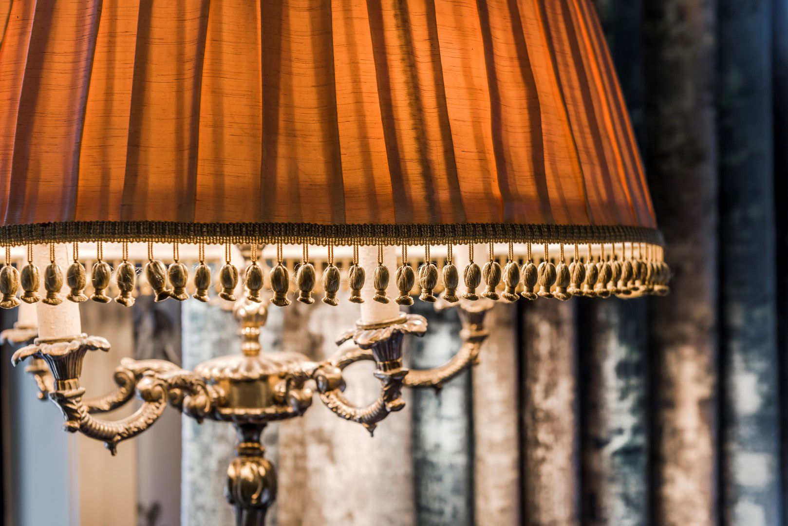 room-glory-lamp