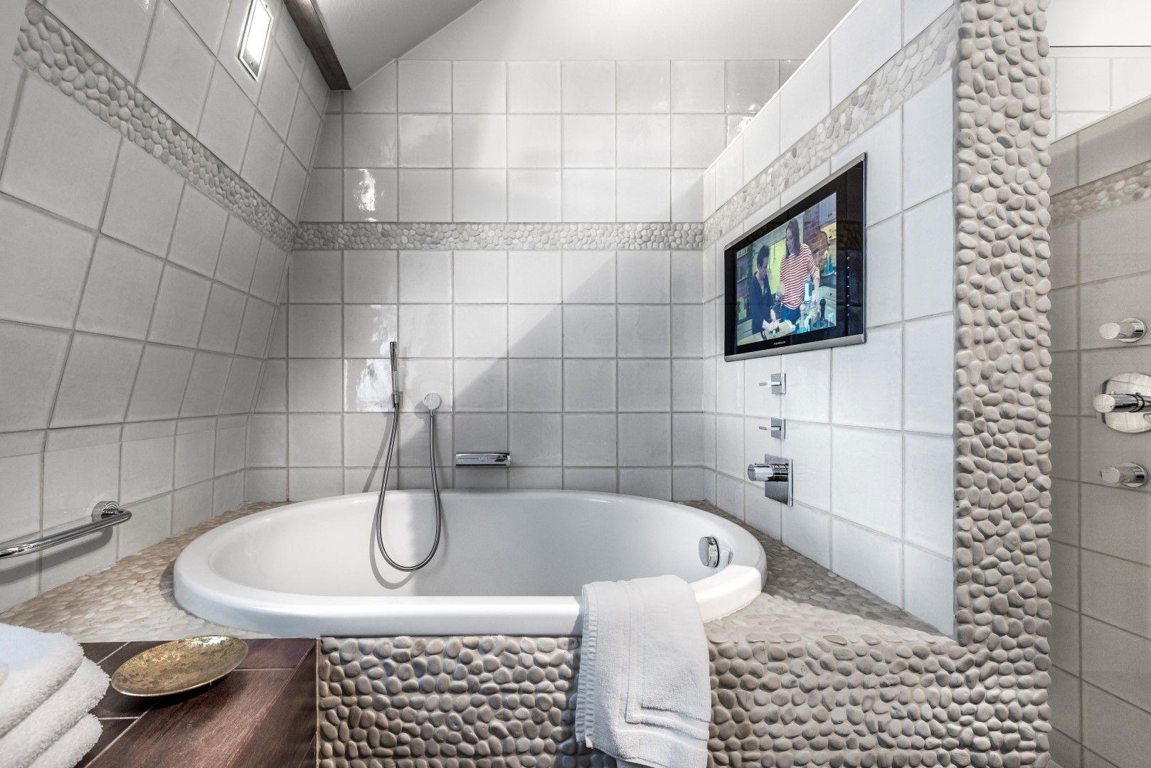 room-top-bathroom